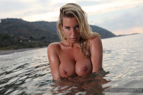 Photodromm model Janine pictures at ErosBerry.com - the best Erotica online