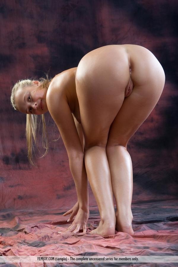 фото голая попа женщины