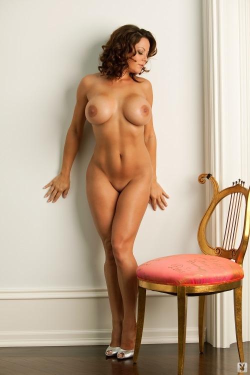 Фото голых телок с пышными формами