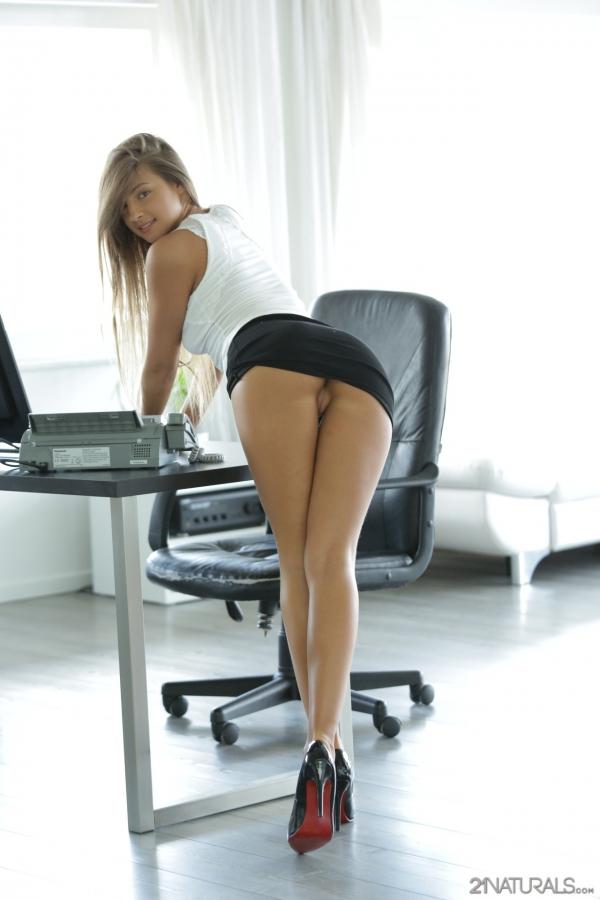 короткие юбки длинные ноги секс фото