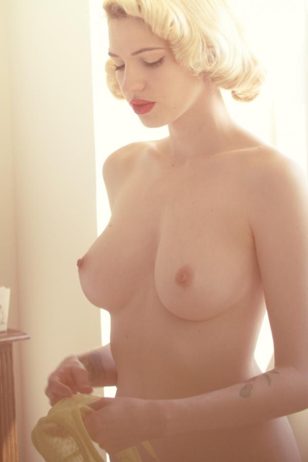 Alicia silverstone nude pics