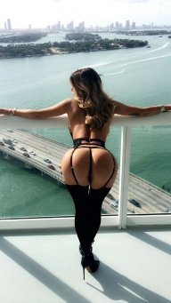 The Curvy Girls — Traffic stopping view - Nice ass