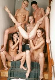 hot lesbians and hot bodys  - LESBIAN