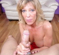 Dirty mom shannon west stroking cock - Handjob