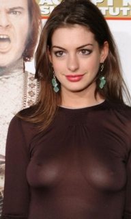 Anne Hathaway Wearing No Bra During The Premiere Of One Of Her Movies - Celebrity